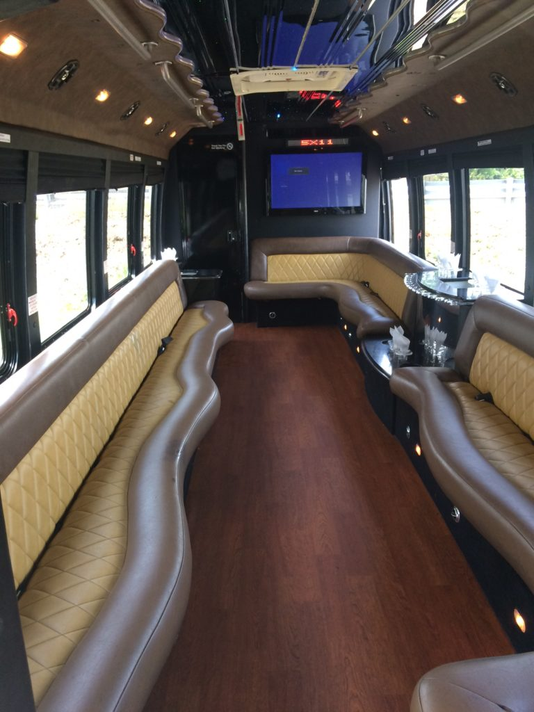 Luxurious 24 Passenger Nj Party Bus Prom Weddings